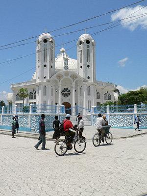 HAITI: Esencia de naturaleza colonial con ambiente criollo