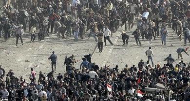 Los enfrentamientos convierten El Cairo en una batalla
