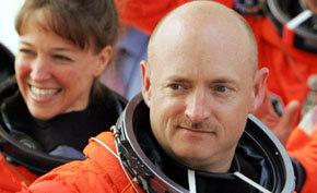 Esposo de la congresista Giffords comandará finalmente viaje al espacio