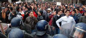 Decenas de detenidos en protestas contra Buteflika en Argelia