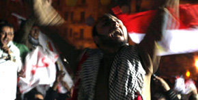 Egipcios celebran caída de Mubarak