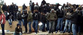 4.000 emigrantes tunecinos han llegado a la isla de Lampedusa en los últimos cuatro días