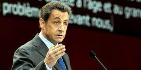 Sarkozy insta a sus ministros a pasar sus vacaciones dentro de Francia