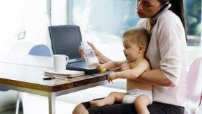 El 85 por ciento de las españolas que trabajan renuncian a tener otro hijo