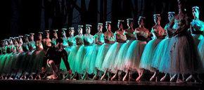Desertan cinco bailarines del Ballet Nacional de Cuba en una gira en Canadá