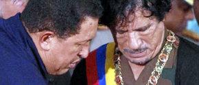Gadafi recibe una condecoración de Chávez en septiembre de 2009