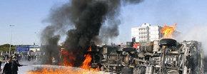 Un camión cisterna arde en el centro de Trípoli