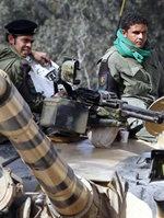 El líder libio lanza un contraataque concertado contra los rebeldes