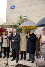 El alcalde descubre la placa de la calle dedicada a O´donnell