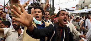 Tres muertos tras protestas contra el gobierno en Yemen