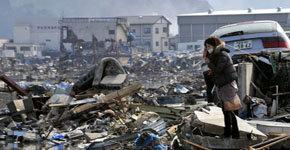 Falta de combustible para crematorios obliga a enterrar a víctimas en Japón