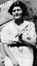 Elena Monge Osorio, la Nena, la Mamá, en el Centenario de su Natalicio. (15/4/1911-2011)