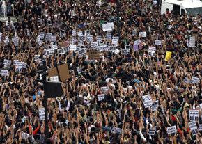 15-M en España: la no-violencia ya está en la calle