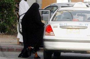 Mujeres desafían prohibición y toman el volante en Arabia Saudita