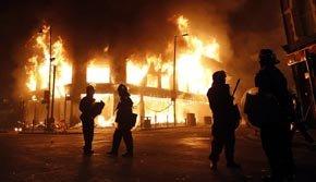 Scotland Yard defiende su actuación en los disturbios