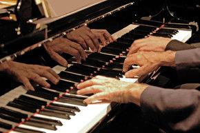 Recital de piano a 4 manos por el dúo Juan Mendívil-Dimitar Kanorov