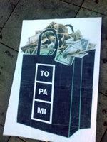 Los 'Indignados' de Avila exhibieron esta sugestiva pancarta...
