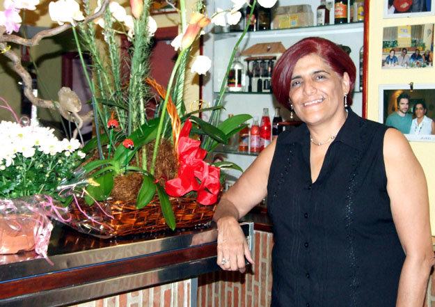 Elizabeth Delgado está muy contenta con la marcha de su restaurante...