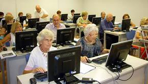 '¿Miedo a Internet?' llega al centro de mayores Algeciras I
