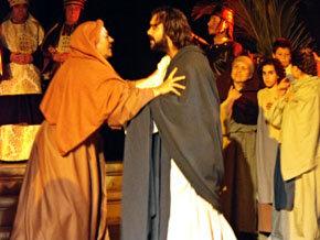 """""""La Hora Blanca"""" en la Crucifixión en Carcabuey"""