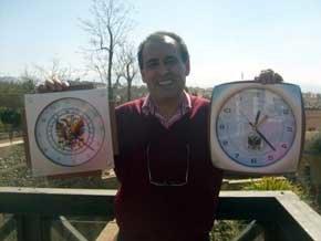 Un alumno de la Universidad de Granada patenta un reloj válido para el horario de verano y el de invierno