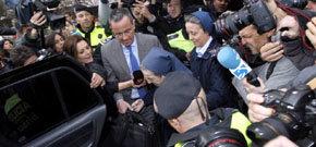 Sor María, eludió responder a los periodistas que la esperaban a la salida de los Juzgados