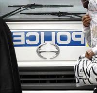 La guerra contra el crimen de Sudáfrica tiene un nuevo objetivo: su policía