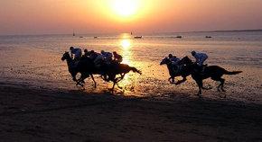 Las Carreras de Caballos de Sanlúcar por la playa cumplen 167 años