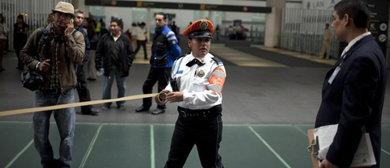 Varias personas uniformadas matan a tres polic�as en el aeropuerto de M�xico