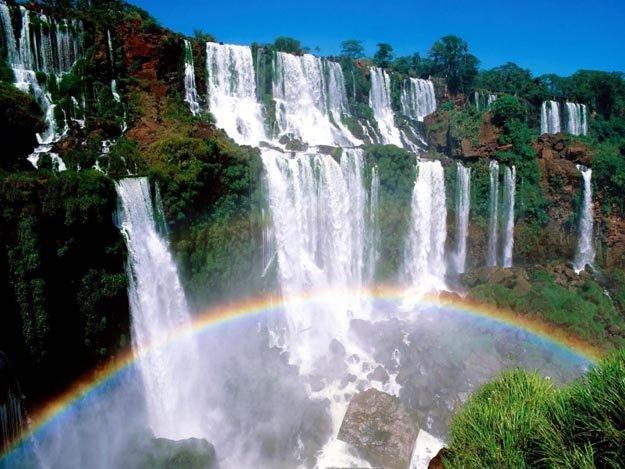 Cataratas del Iguaz�, un lugar con el encanto de los arco iris, en el noreste argentino