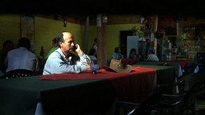 """EL MOCITO. Jorgelino Vergara en una imagen del documental chileno que inspiró el libro""""La danza de los cuervos""""."""