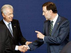 Mariano Rajoy saluda al presidente de Italia, Mario Monti