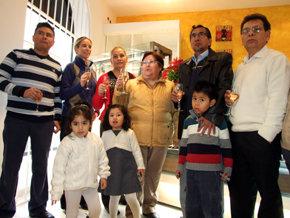La familia Bola�os-Guti�rrez en la inauguraci�n de �La Perla Boliviana III�