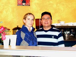 Denis Bola�os Guti�rrez y su esposa, Linda, responsables del establecimiento