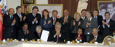 Piñera anuncia beneficios para 218 mil adultos mayores
