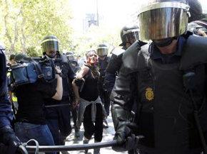 Los antidisturbios cargan contra los mineros a las puertas del Ministerio de Industria