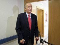 El Rey comparece ante la prensa al abandonar el hospital tras su accidente de Botsuana