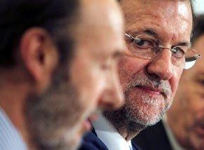 Rubalcaba sube en las preferencias respecto a Rajoy aunque ambos caen en el aprecio ciudadano