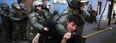 Unos 75 detenidos en una manifestaci�n estudiantil en Santiago de Chile