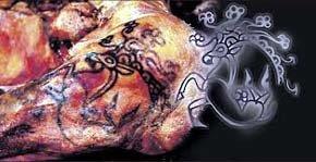 Revelan detallados tatuajes en una momia de más de 2.500 años de antigüedad
