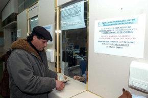 Sanidad asegura que se atender� a los 'sin papeles' cr�nicos y se pasar� la factura a sus pa�ses de origen