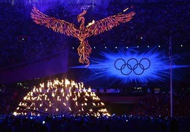 CEREMONIA DE CLAUSURA: La antorcha olímpica resurge de sus cenizas como ave fénix de fuego
