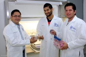 Fernando Castro Álvarez y Enrique García Pérez, alumnos de la Maestría en Ciencias con Especialidad en Biotecnología (MBI) del Campus Monterrey