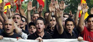 Simpatizantes de la Falange, en una marcha ultraderechista en Madrid
