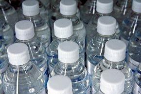 Casi el 80 por ciento de japoneses almacena agua y alimentos en caso de desastre