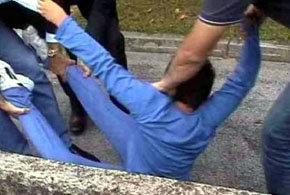 Polémica en Italia por un vídeo donde varios policías se llevan a la fuerza a un niño
