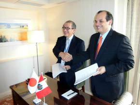 El ministro de Economía de Perú suscribió acuerdo con JICA