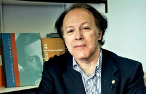 Javier Marías: 'El Estado no tiene por qué darme nada por ejercer mi tarea de escritor'