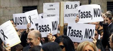 Jueces y fiscales de toda España piden la dimisión de Gallardón