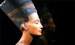Berlín celebra el centenario del hallazgo de Nefertiti, la Reina del Nilo